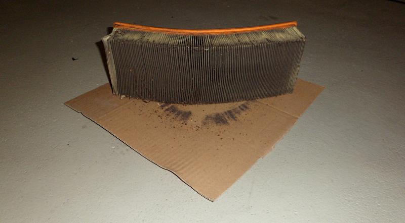 Luftfilterwechsel beim Audi90
